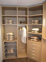 Продается гардеробная комната 7